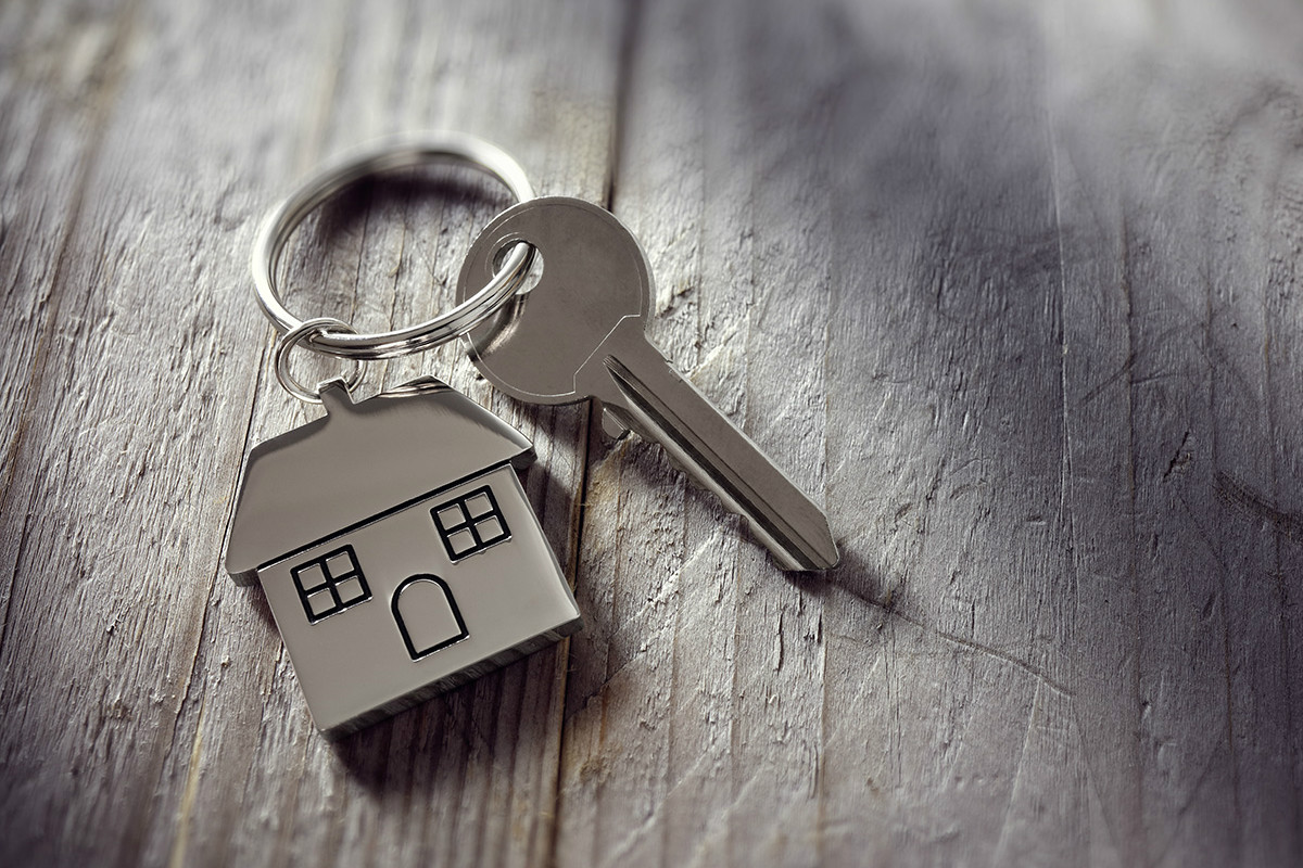 House keys with house keyring 1200 x 800