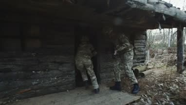 Army soldiers storm house to free hostage
