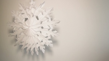 Snow flake decoration