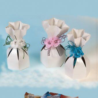 Caja decorada y chocolates