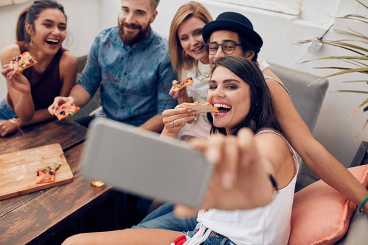 selfie grupo de amigos