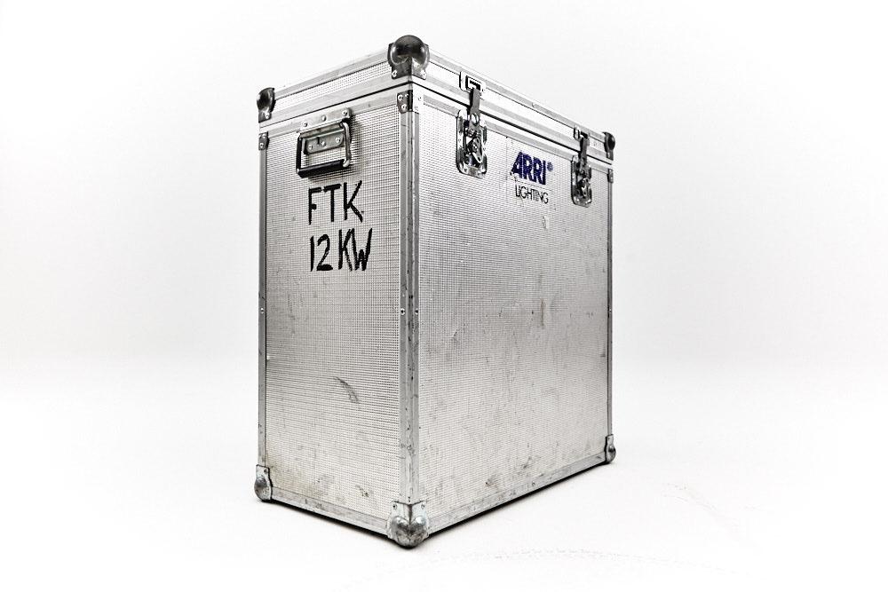 Linsenkoffer 12kW.jpg