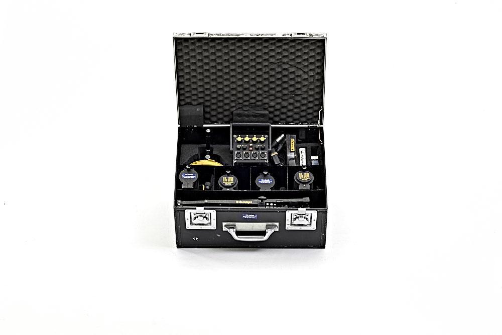 Dedo-LightSet4X100W12V_1.jpg