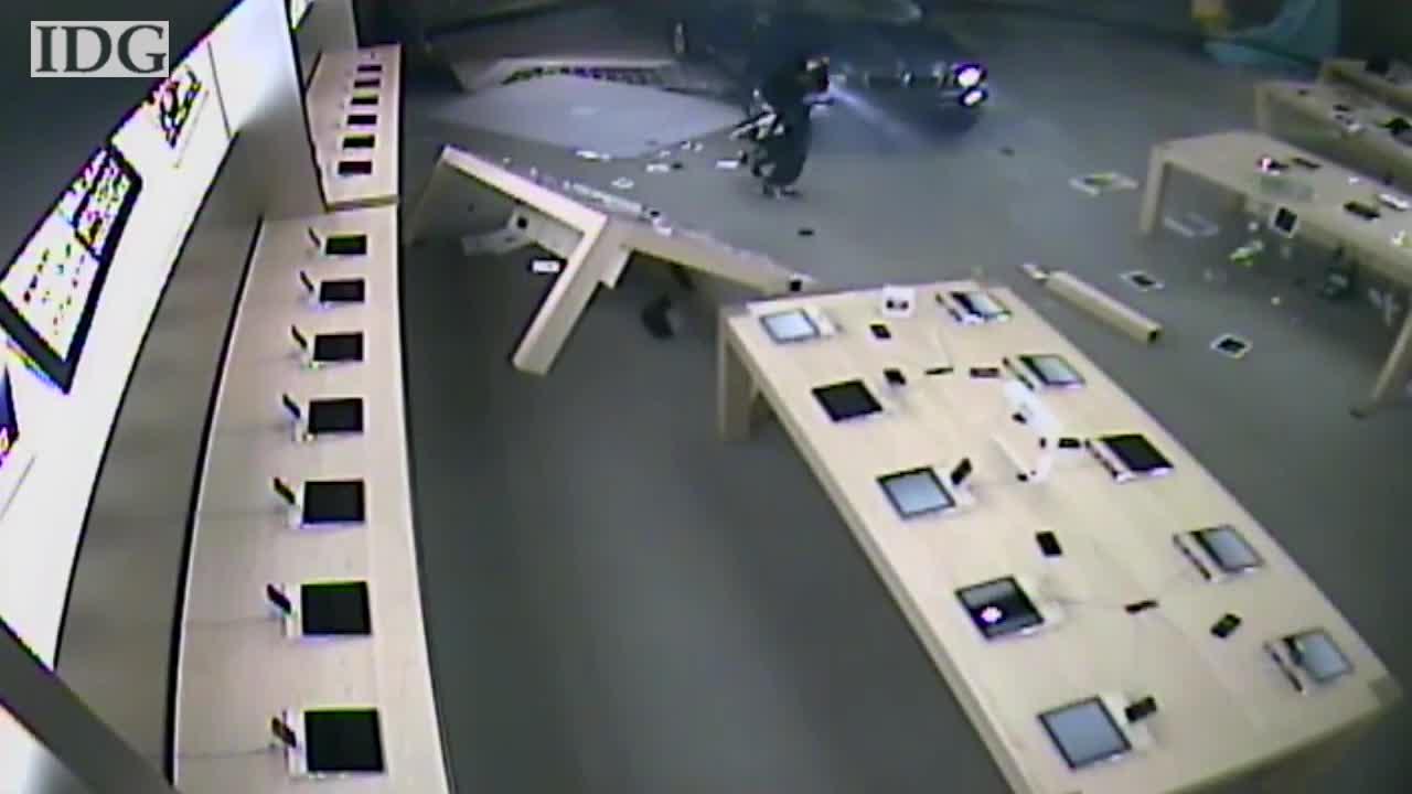 Espectacular robo de una Apple Store por el método del alunizaje