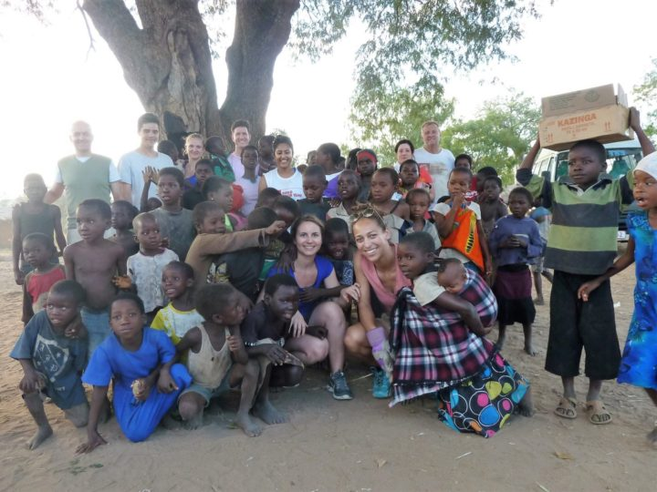 Vounteers with Malawi children