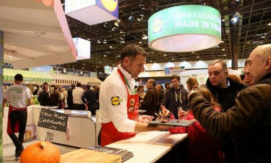 Lidl changes tactics by debuting at the Paris Agricultural Show