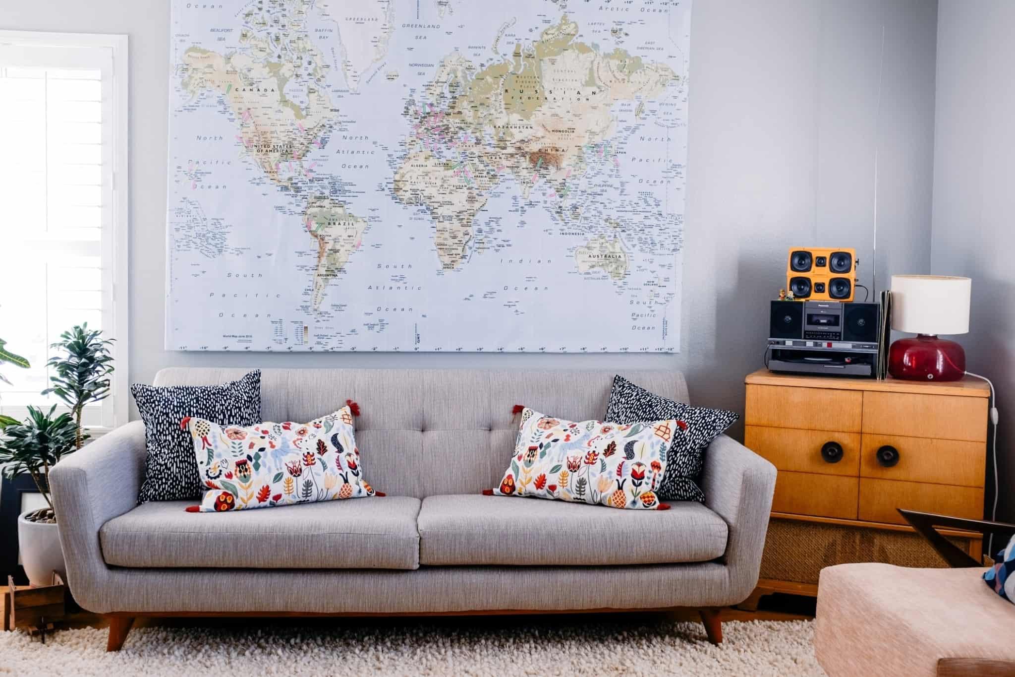 Sala de estar sofá mapa