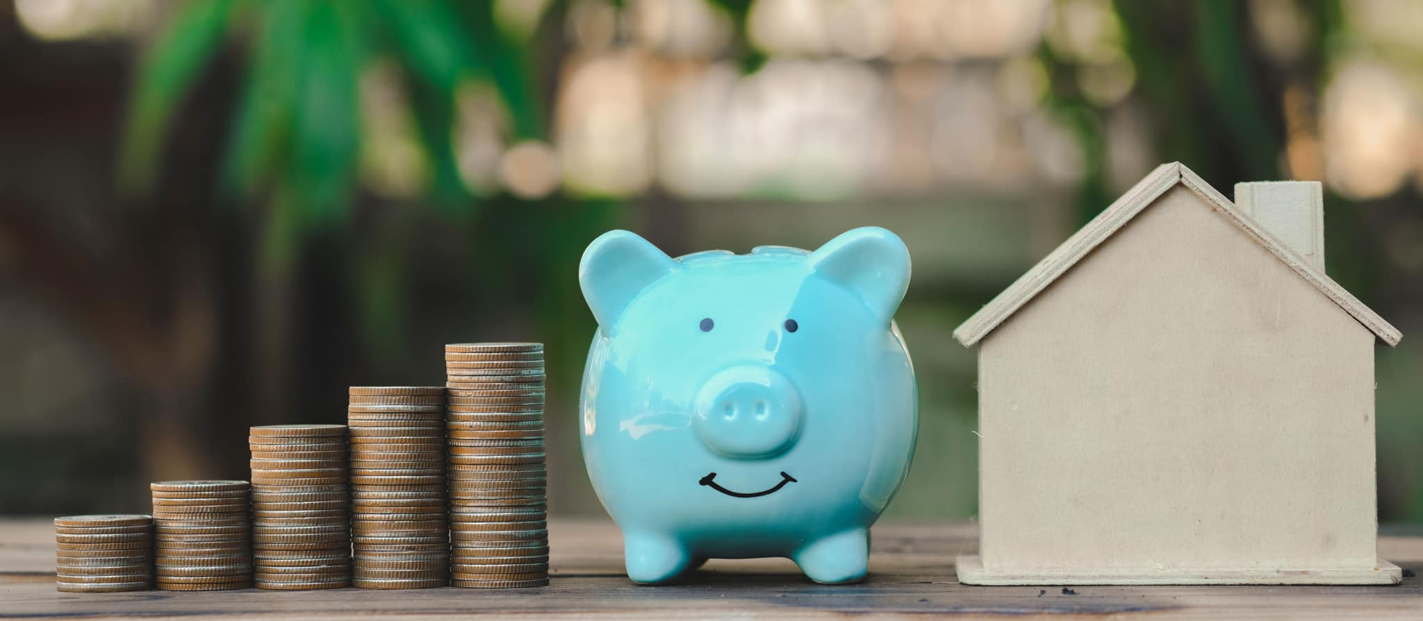 dinheiro porco mealheiro e casa_taxas_imposto de selo