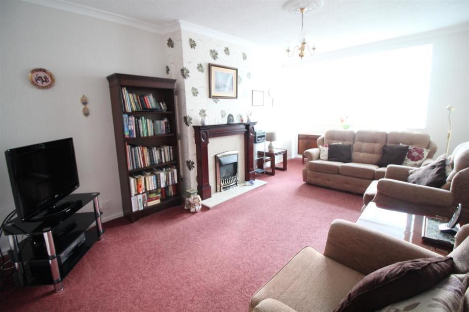 Property for sale on West Farm Avenue, Leeds
