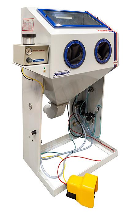 Formula 1400 ESD blast cabinet