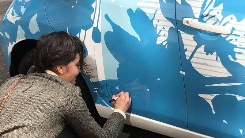 Signing Toyota Aygo