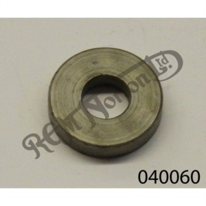 CLUTCH OPERATING ARM SPACER