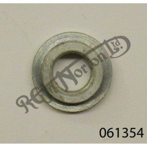 EARLY COMMANDO OIL TANK FRONT MOUNTING WASHER