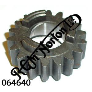 MAINSHAFT SECOND GEAR - 18 TEETH RUNS WITH 064639 (LATE)