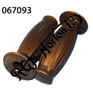 "HANDLEBAR STANDARD GRIPS FOR NORTON (PAIR) (7/8"")"