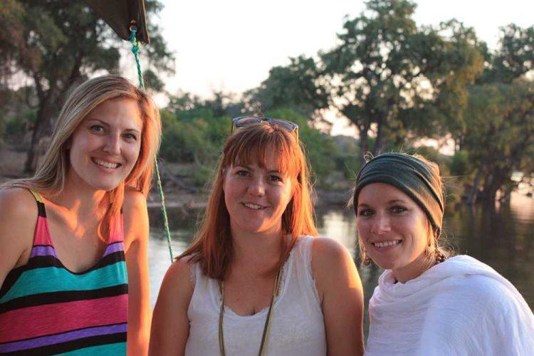 Rhino Africa Mädels im Chobe Nationalpark