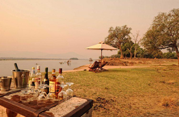Drinks an den Ufern des Sambesi bei den Manapools