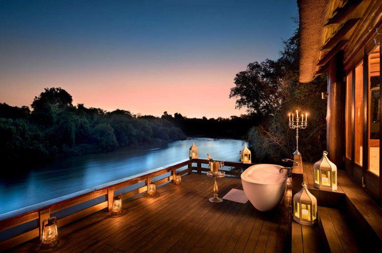 Les meilleurs hôtels de luxe en Afrique pour une nuit insolite. Le Royal Chundu;