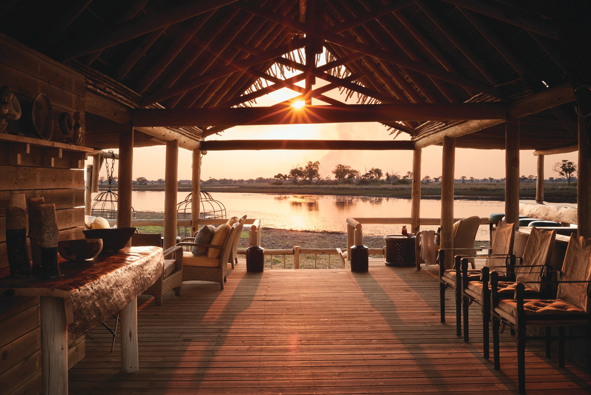 Best-eco-friendly-lodges-in-Africa-Belmond-Eagle-Island-Lodge