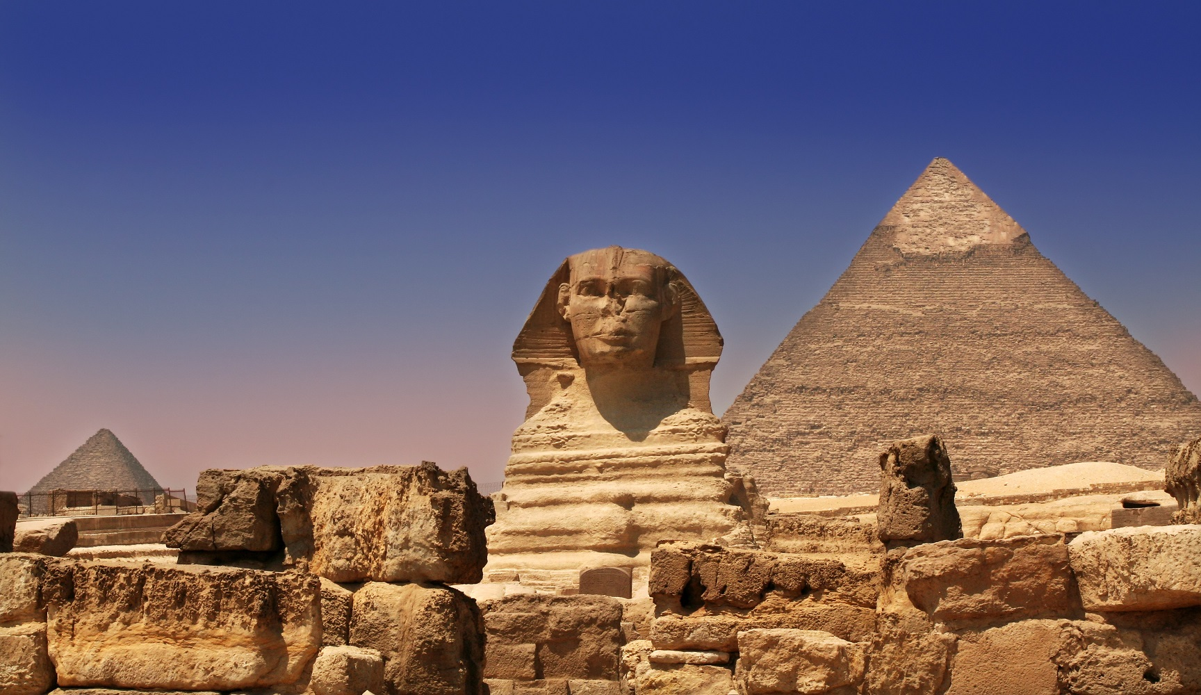 Pyramids and Sphinx in Egypt - Sam valadi