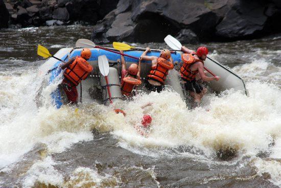 Rafting eletrizante no Zimbábue