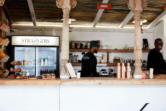 Stranger's Club dans le top des meilleurs petits-déjeuners et brunchs au Cap