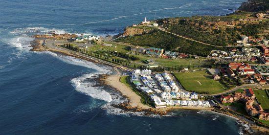 Die bezaubernde Küste von Mossel Bay aus der Vogelperspektive
