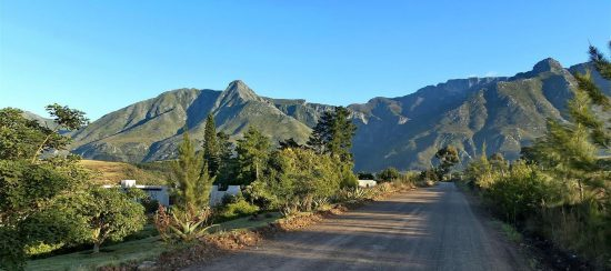 Swellendam's peaceful mountains along the Garden Route