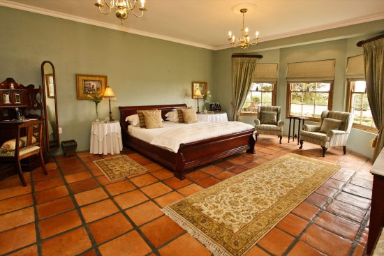 A bespoke Victorian hotel bedroom