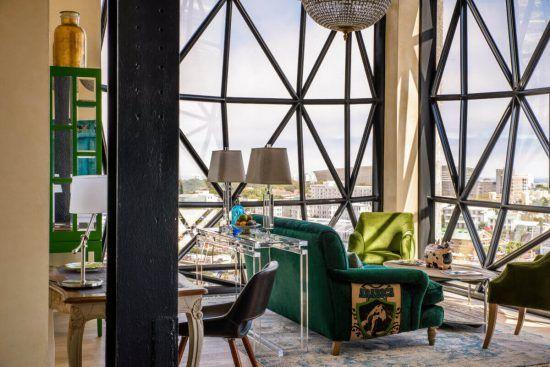 The Superior Suite lounge