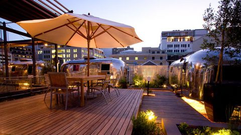 rooftop-bars-kapstadt-rhino-africa-travel-Sky Bar Grand Daddy Hotel Cape Town