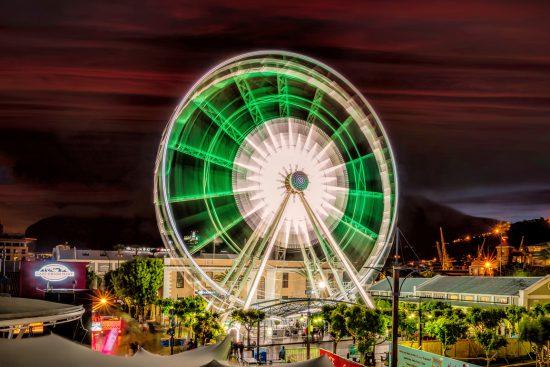 Roda-gigante de V&A Waterfrontem longa exposição