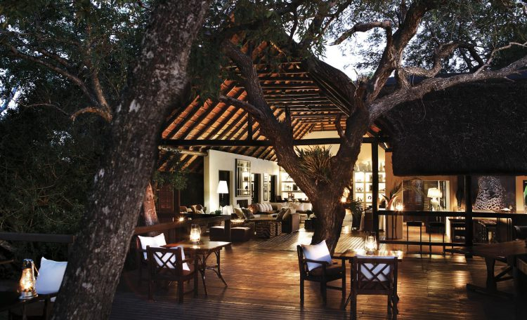 Terraza principal de Londolozi Tree Camp