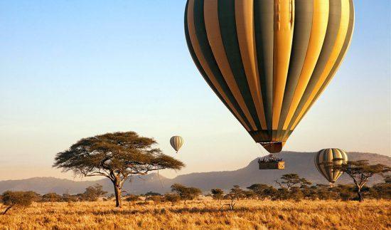 Passeio em balão de ar quente, um modalidade de safári na África