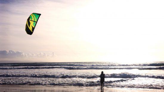 La Tanzanie est réputée pour offrir de nombreuses activités nautiques comme le kitesurf