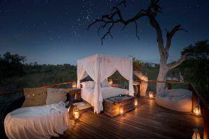 Nuit insolite en Afrique : Vacances romantiques à Sabi Sand en Afrique du Sud pour un voyage safari de luxe.