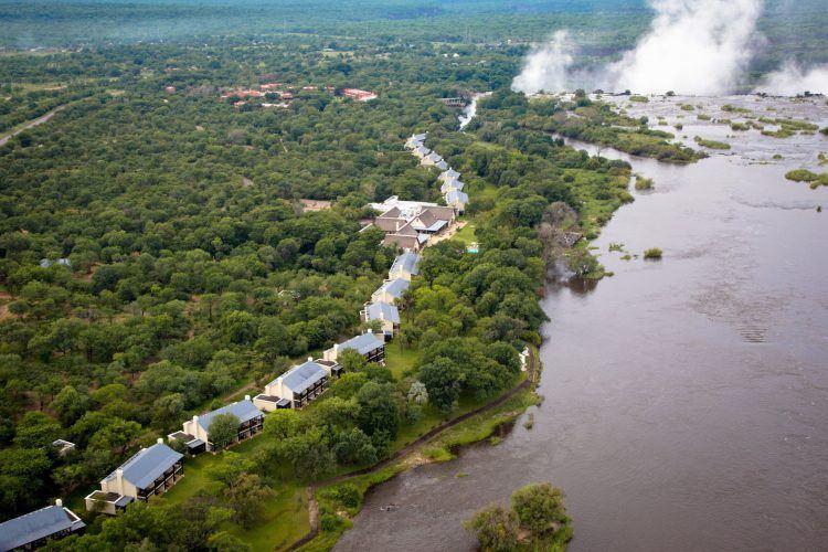Vista aérea de Royal Livingstone Hotel en las cataratas Victoria