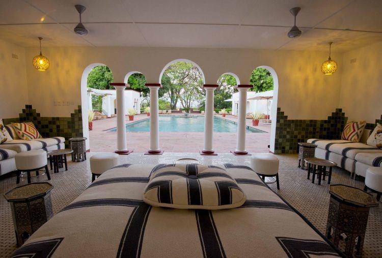 Piscina de The Victoria Falls Hotel en las cataratas Victoria