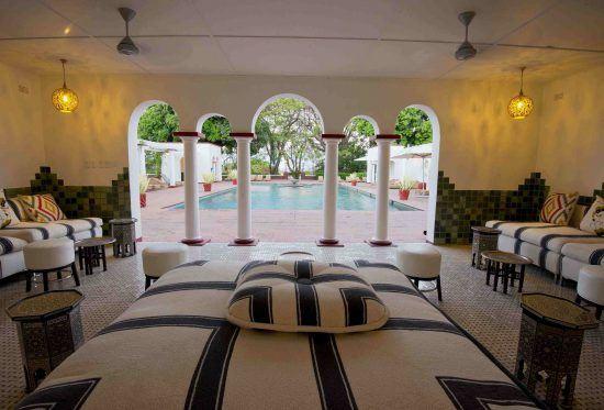 Los espectaculares interiores del Victoria Falls Hotel