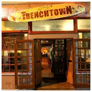 Fachada do Trenchtown