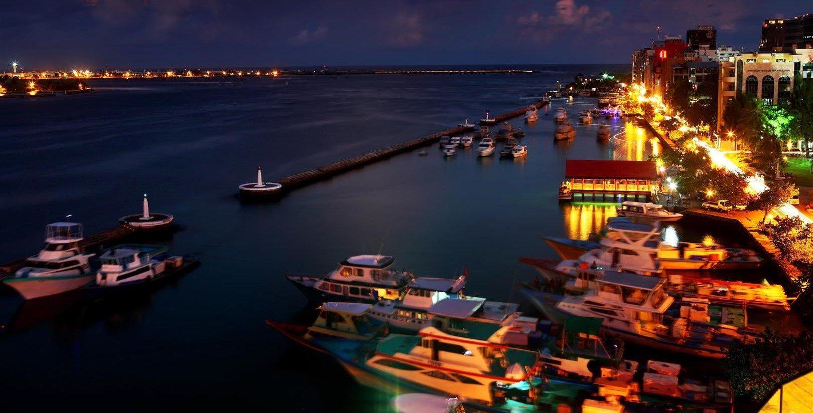 Male by night, Maldives