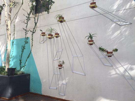 Kreativer Garten in urbaner Umgebung