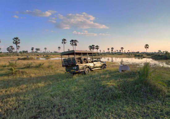 Delta do Okavango pode ser explorado em veículo 4X4 e mokoros