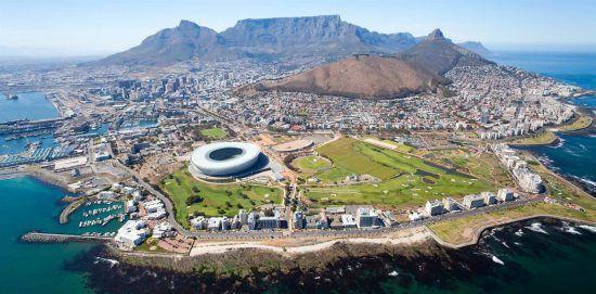 Kapstadt inklusive Waterfront, Tafelberg und Lion's Head aus der Vogelperspektive