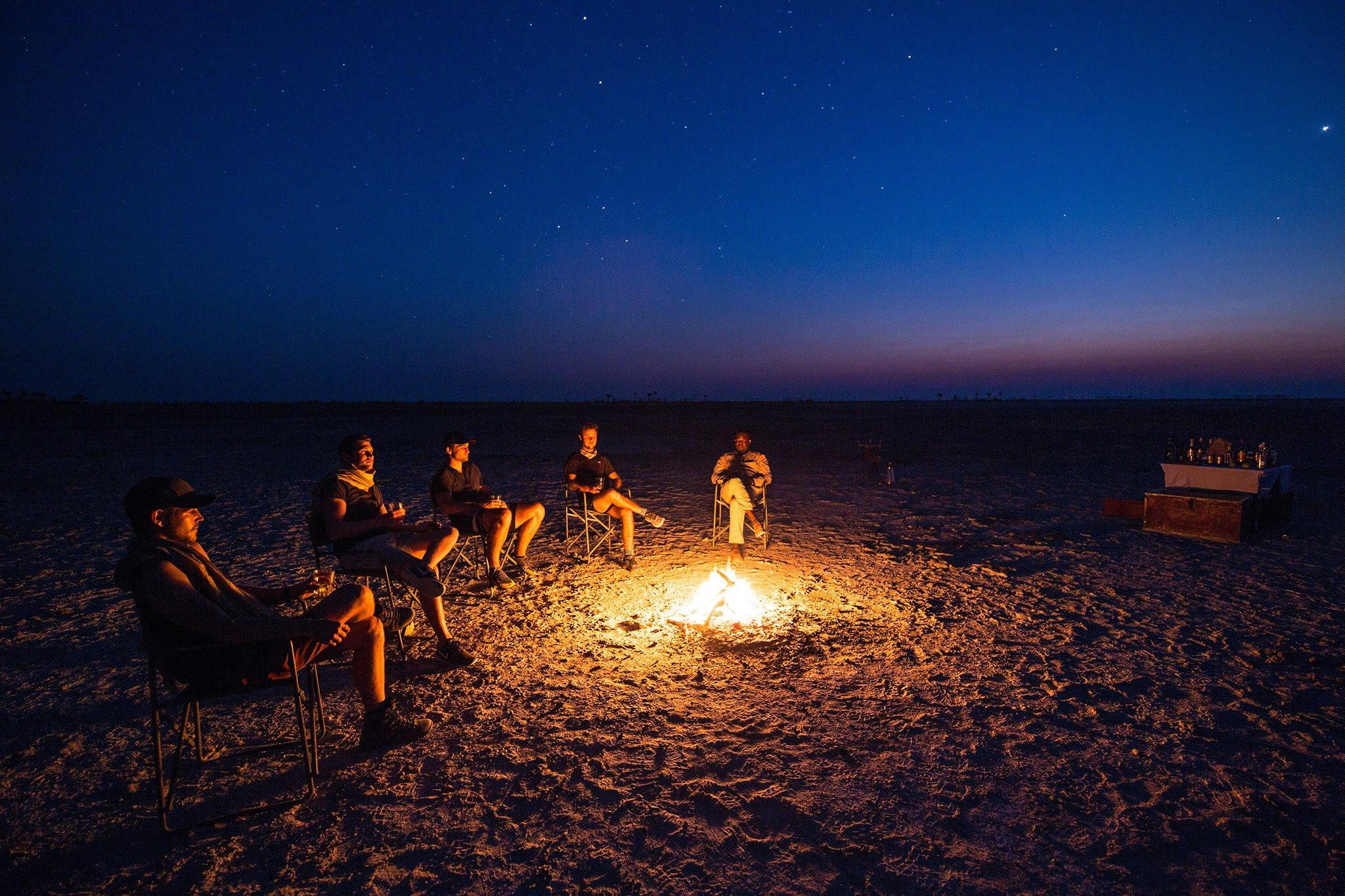 fogueira em Jacks Camp, Botsuana