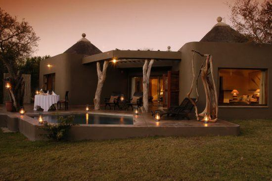 sabi sabi bush lodge outdoor area