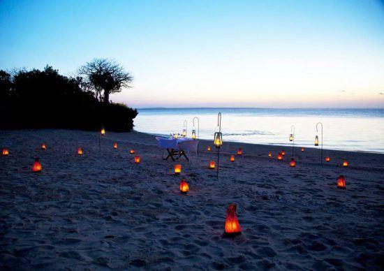 Strand bei Sonnenuntergan, Azura Qulela