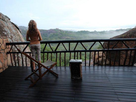 Aussicht von der Terrasse des Big Cave Camp
