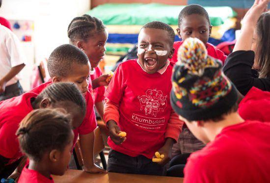 Fröhliche Kinder im Khumbulani EduCare Centre