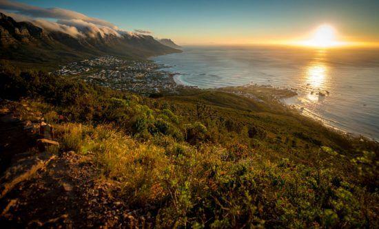 Que faire à Cape Town ? | Vue du quartier de Camps Bay depuis les hauteurs de Lion's Head